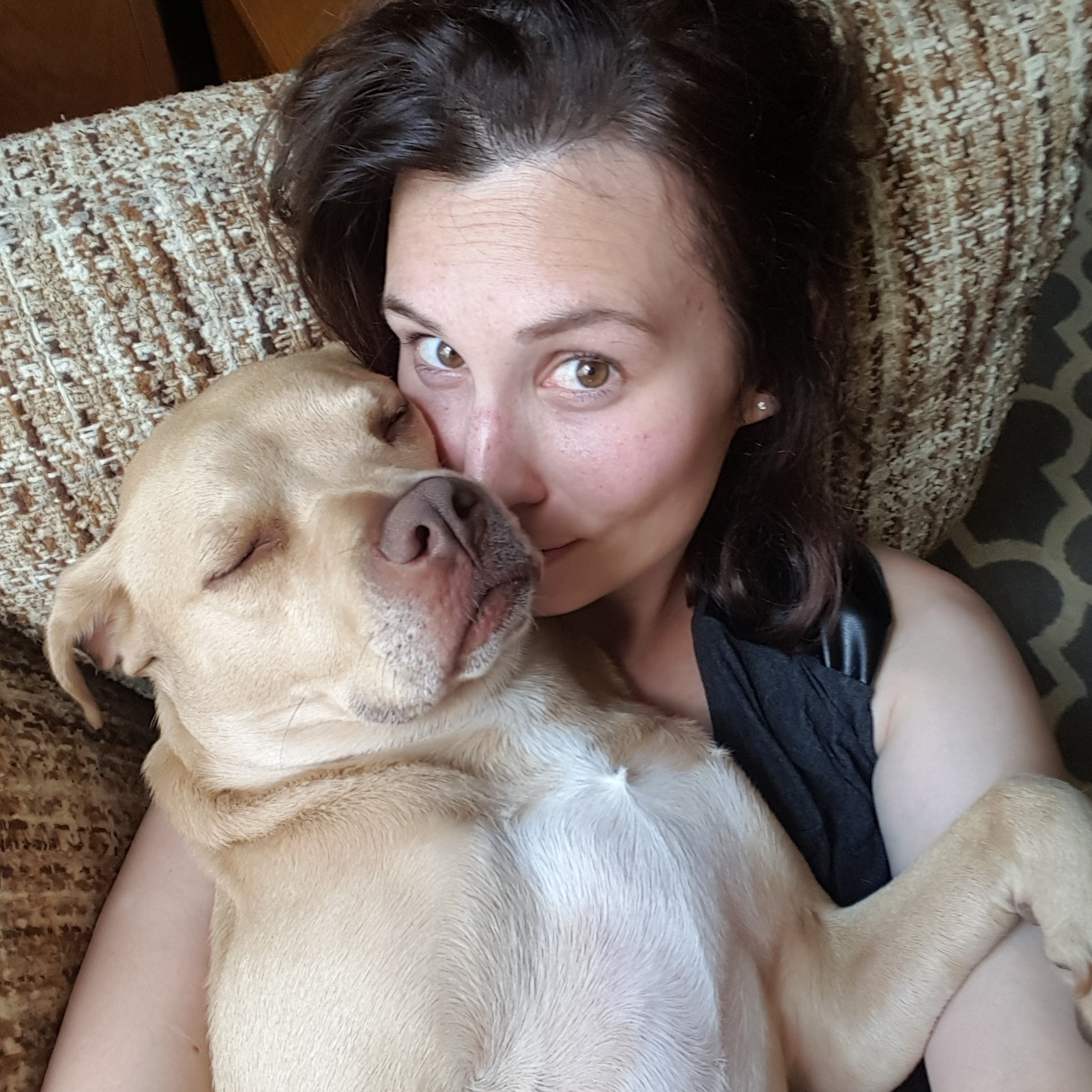 A picture of Amanda Shofner and her dog Scarlet